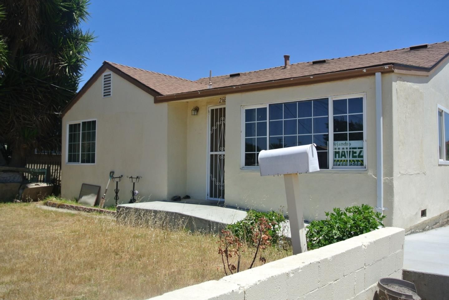 Detail Gallery Image 1 of 1 For 268 5th St, Soledad, CA 93960 - 2 Beds | 1 Baths