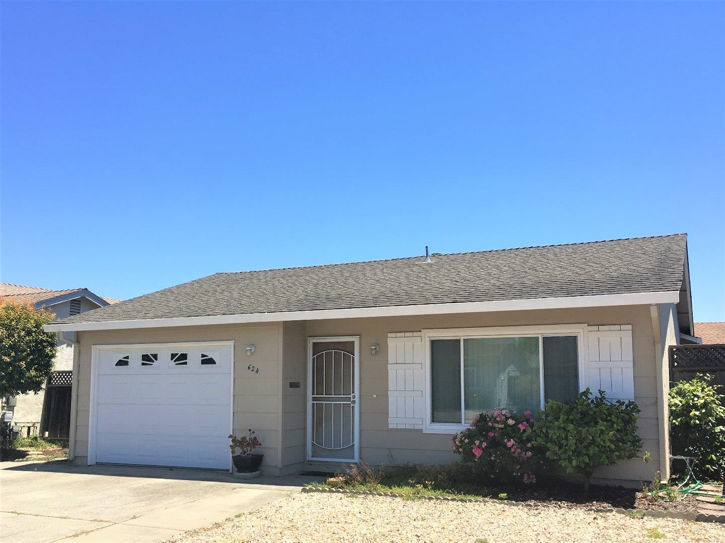 Detail Gallery Image 1 of 1 For 624 Peartree Dr, Watsonville,  CA 95076 - 2 Beds | 1 Baths