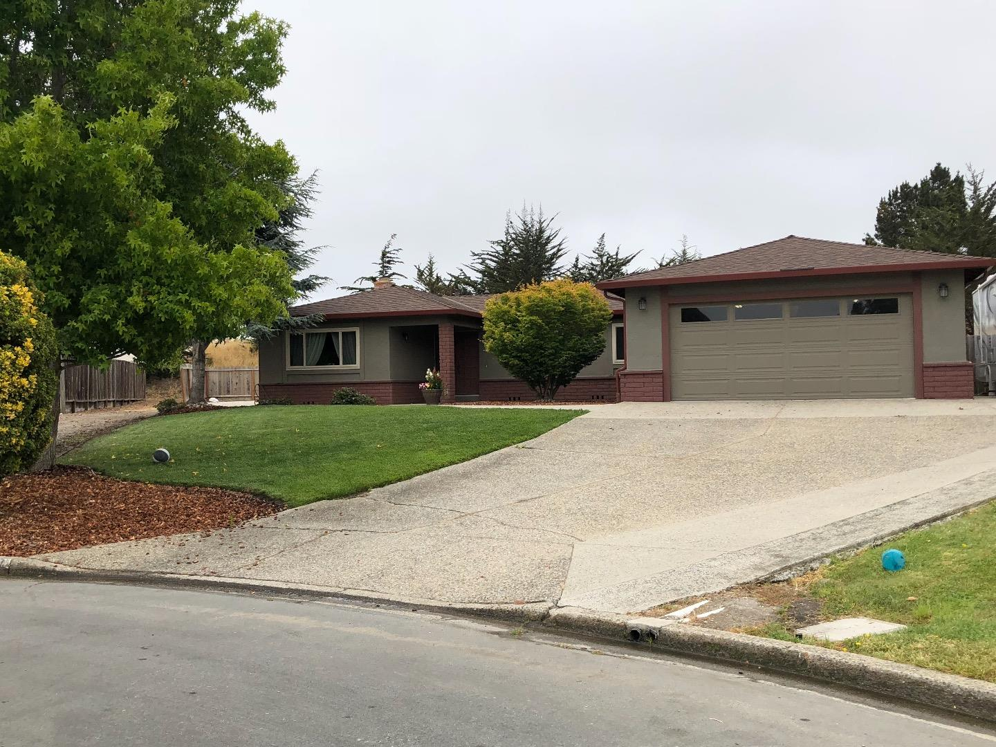 Detail Gallery Image 1 of 1 For 9924 Madras Pl, Salinas,  CA 93907 - 3 Beds   2/1 Baths