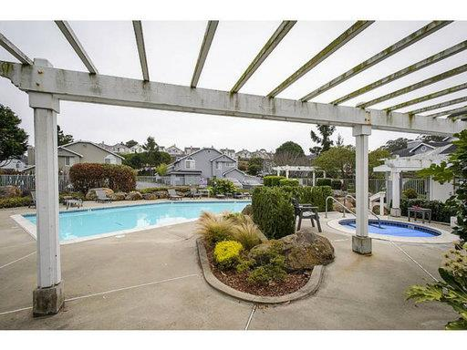 Detail Gallery Image 1 of 1 For 1711 Hampton Ln, Daly City, CA 94014 - 2 Beds | 2/1 Baths