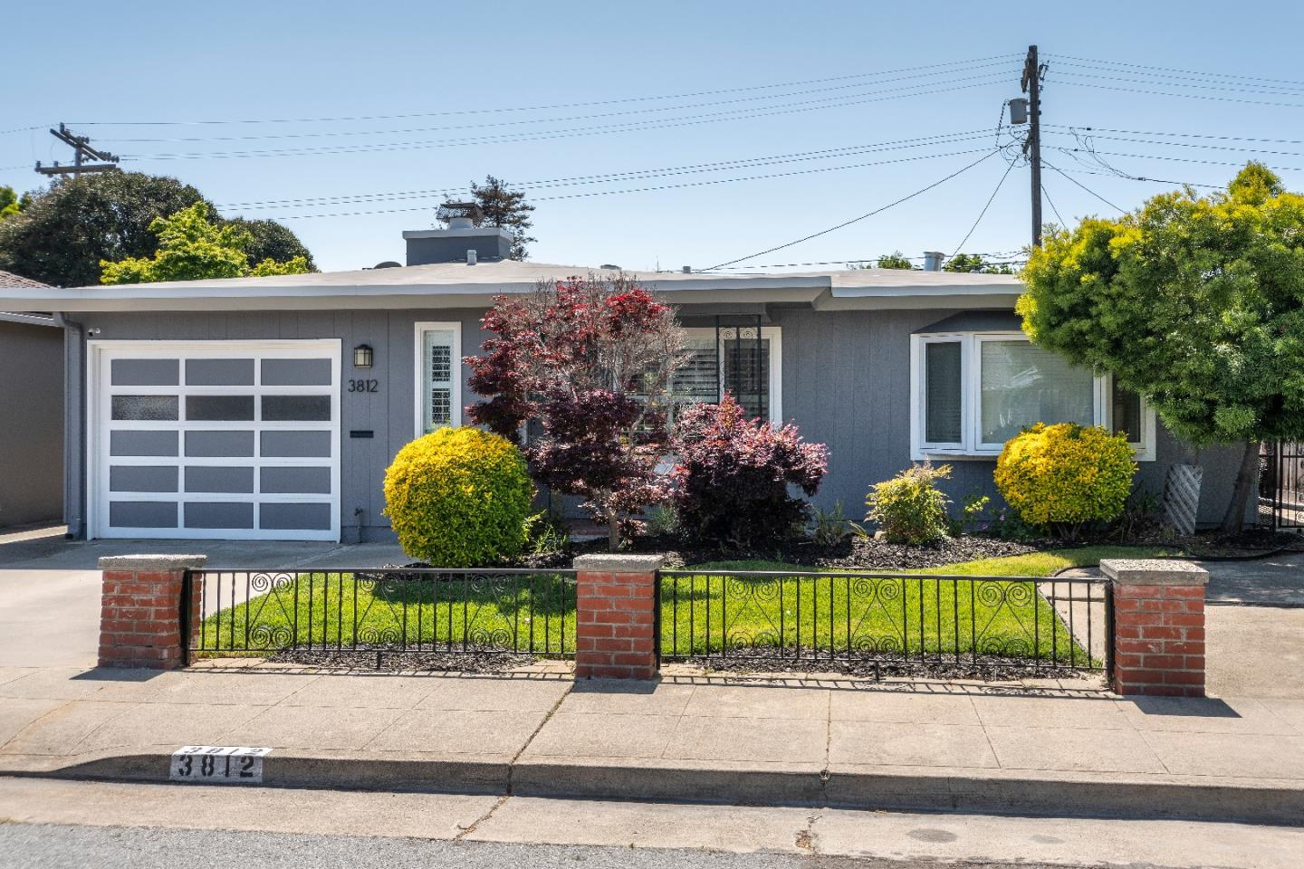 Detail Gallery Image 1 of 1 For 3812 Casanova Dr, San Mateo, CA, 94403 - 3 Beds | 2 Baths