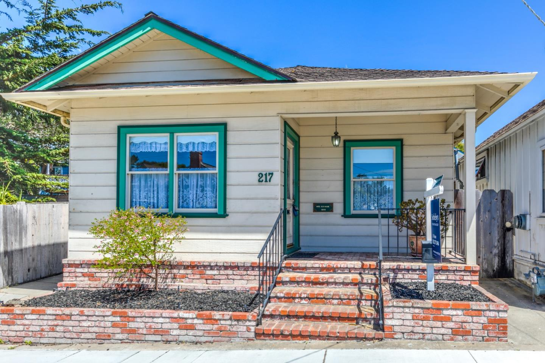 217 Park St, Pacific Grove, CA 93950 - 2 Beds | 1 Baths (Active ...