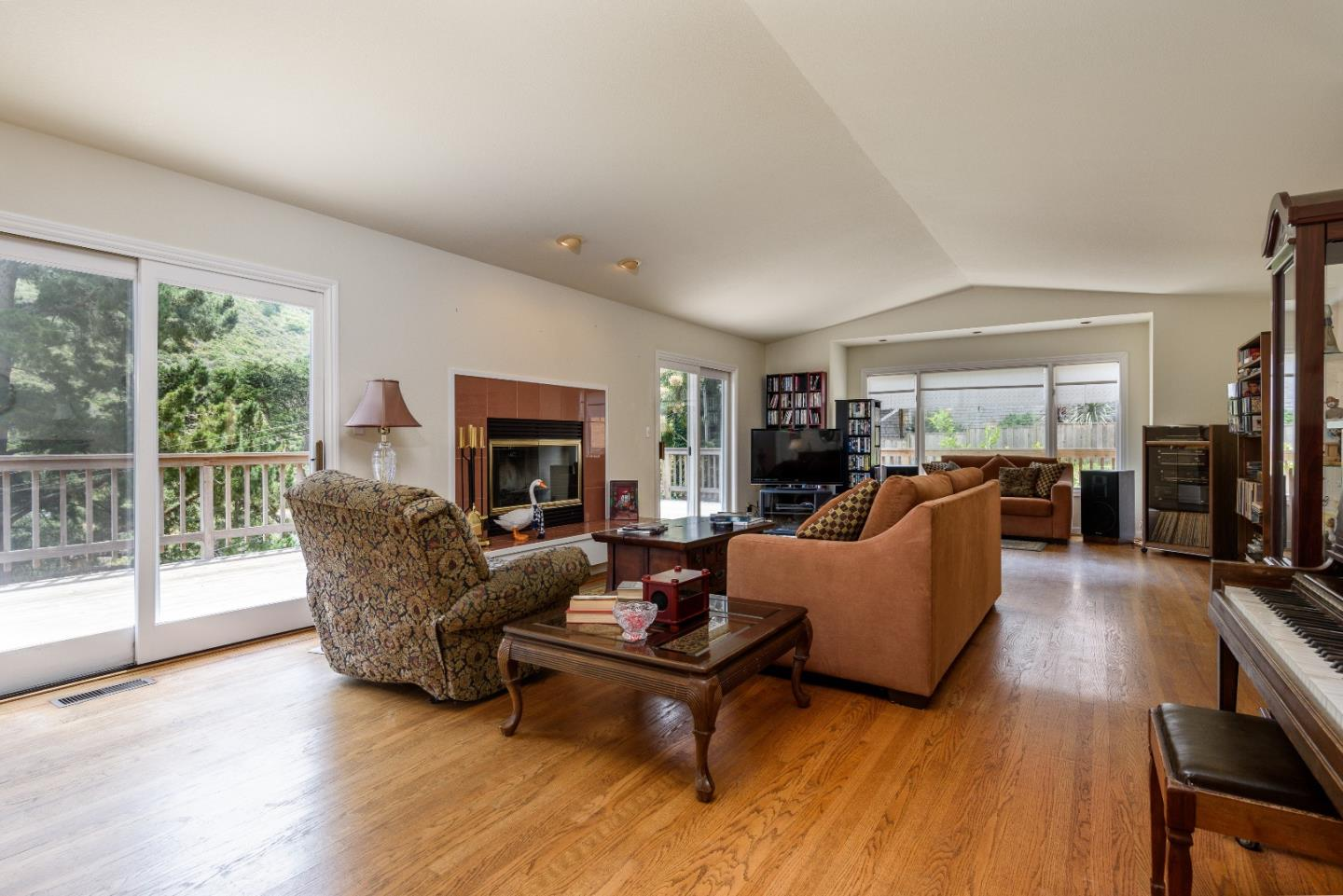 364 GENEVIEVE AVE, PACIFICA, CA 94044  Photo