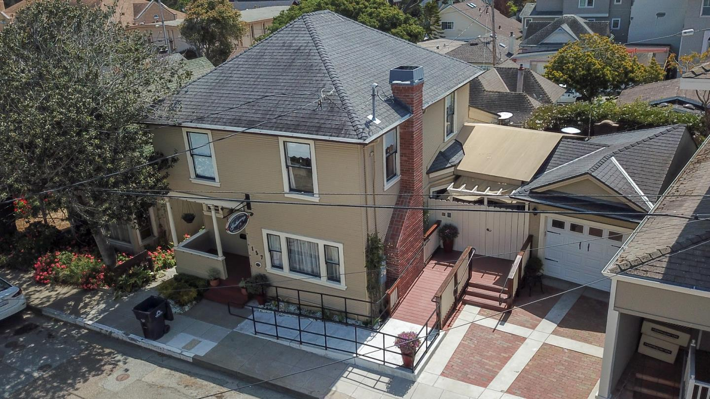 Detail Gallery Image 1 of 16 For 157 15th St, Pacific Grove, CA, 93950 - 3 Beds | 1/2 Baths