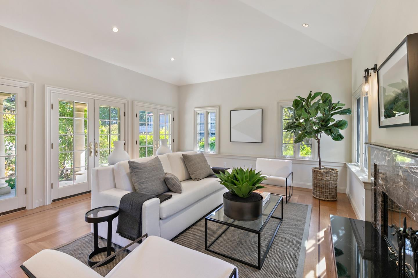 Detail Gallery Image 1 of 1 For 1868 Floribunda Ave, Hillsborough, CA 94010 - 8 Beds | 8/2 Baths