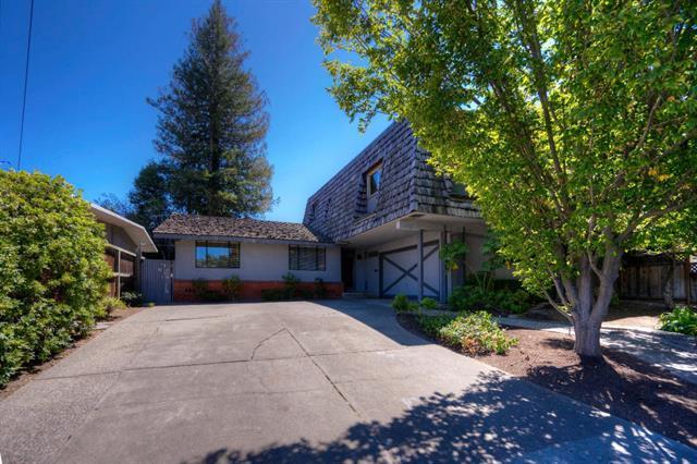 Detail Gallery Image 1 of 8 For 2111 Harkins Ave, Menlo Park, CA 94025 - 6 Beds | 3 Baths