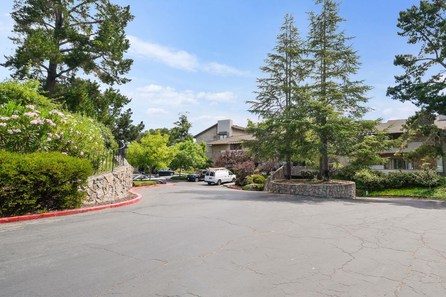 30 Mansion CT 811, Menlo Park, California