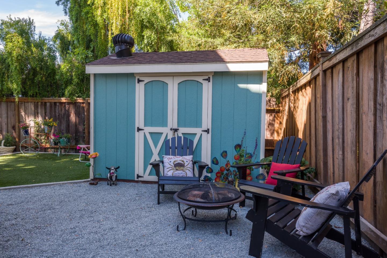1139 King Street, Redwood City, CA 94061 $1,400,000 www.wendiselig ...