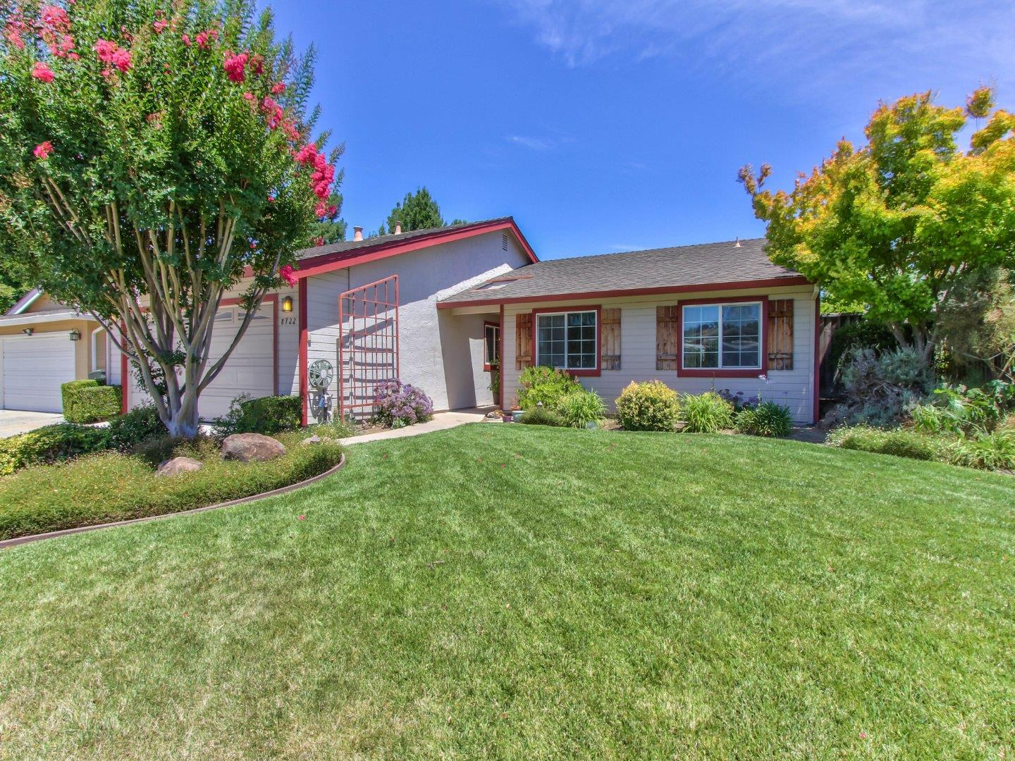 Detail Gallery Image 1 of 1 For 8722 Lions Creek Dr, Gilroy,  CA 95020 - 4 Beds   2/1 Baths