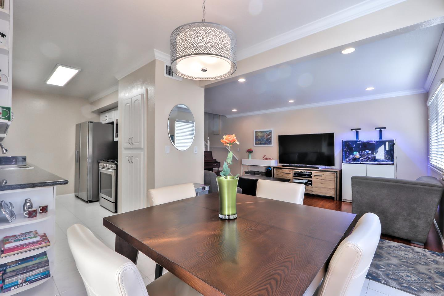 Detail Gallery Image 1 of 1 For 368 Rio Verde Pl #2,  Milpitas,  CA 95035 - 2 Beds | 1 Baths