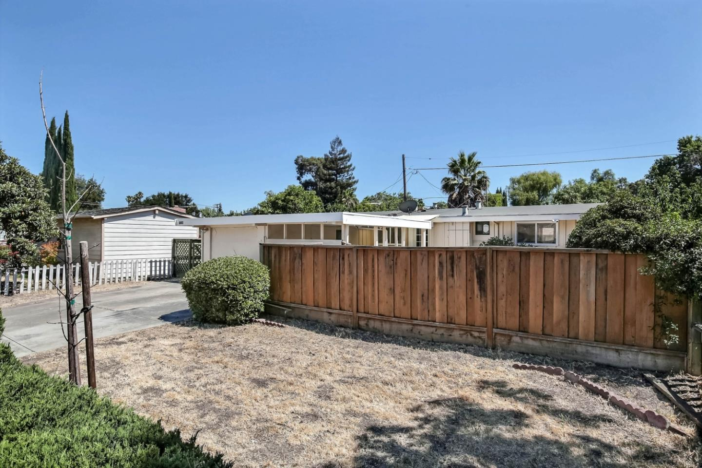 18594 Loree Avenue, Cupertino, CA 95014 $1,638,000 www ...