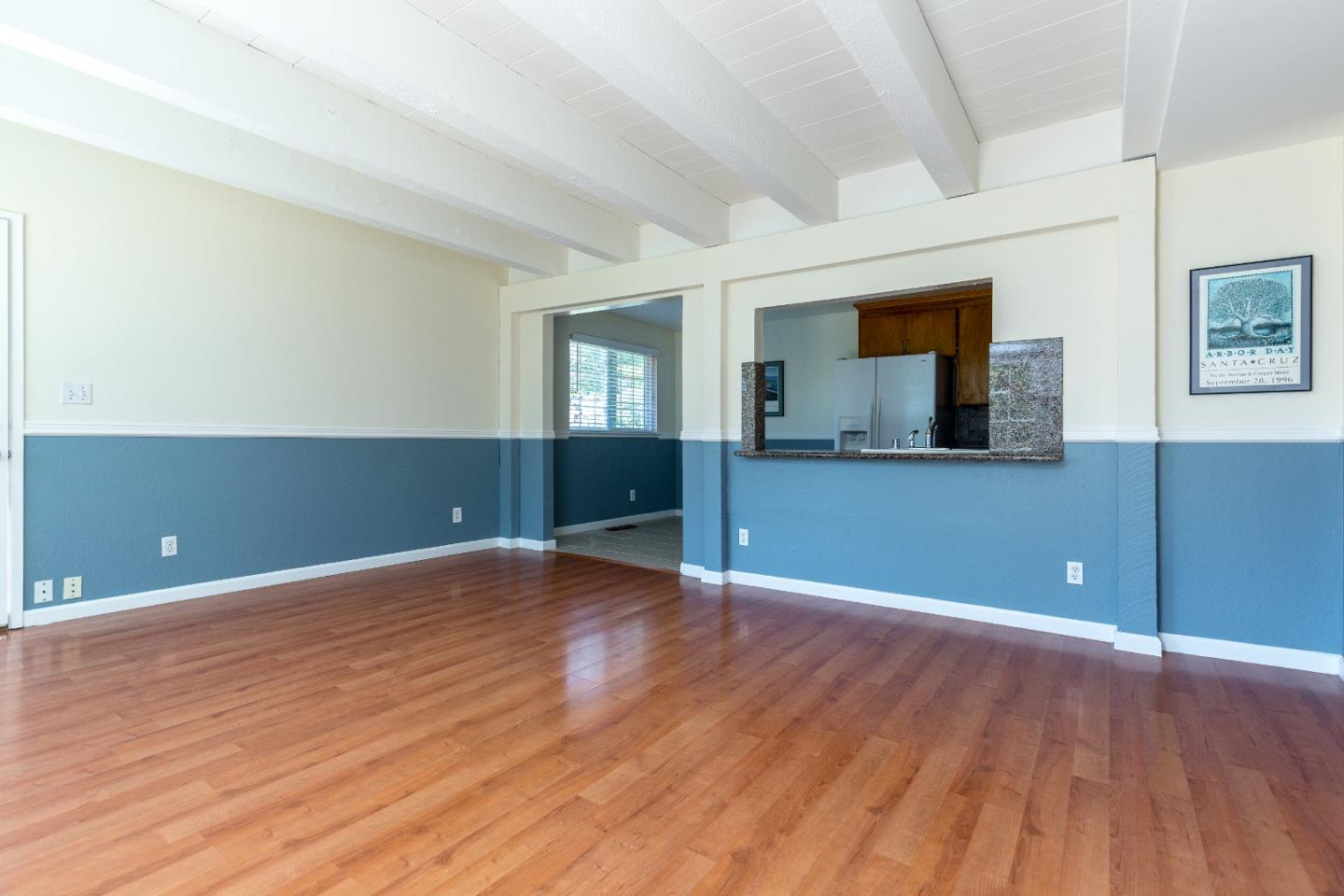 Scotts Valley CA Single Family Home with 5 bedrooms and 3 bathrooms