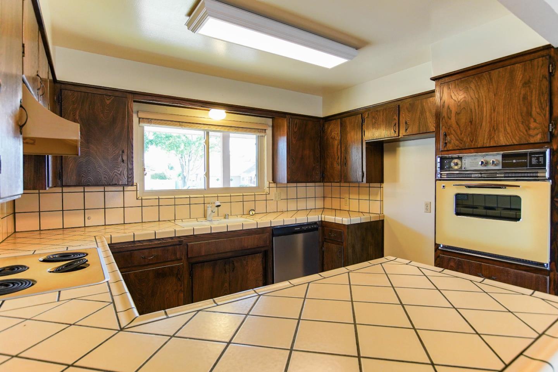 1510 Alta Vista Drive, Hollister, CA 95023 | Better Homes and ...