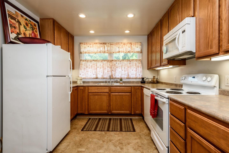 3232 Page Street Redwood City, CA 94063 - MLS #: ML81718341