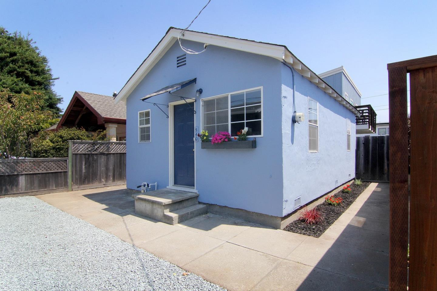 Detail Gallery Image 1 of 20 For 540 Madrone Ave, Santa Cruz, CA, 95062 - 1 Beds | 1 Baths