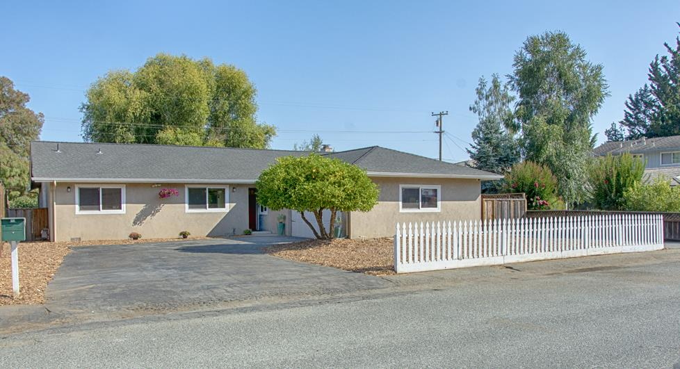 Detail Gallery Image 1 of 1 For 191 Cypress Ln, Watsonville, CA 95076 - 3 Beds | 2/1 Baths