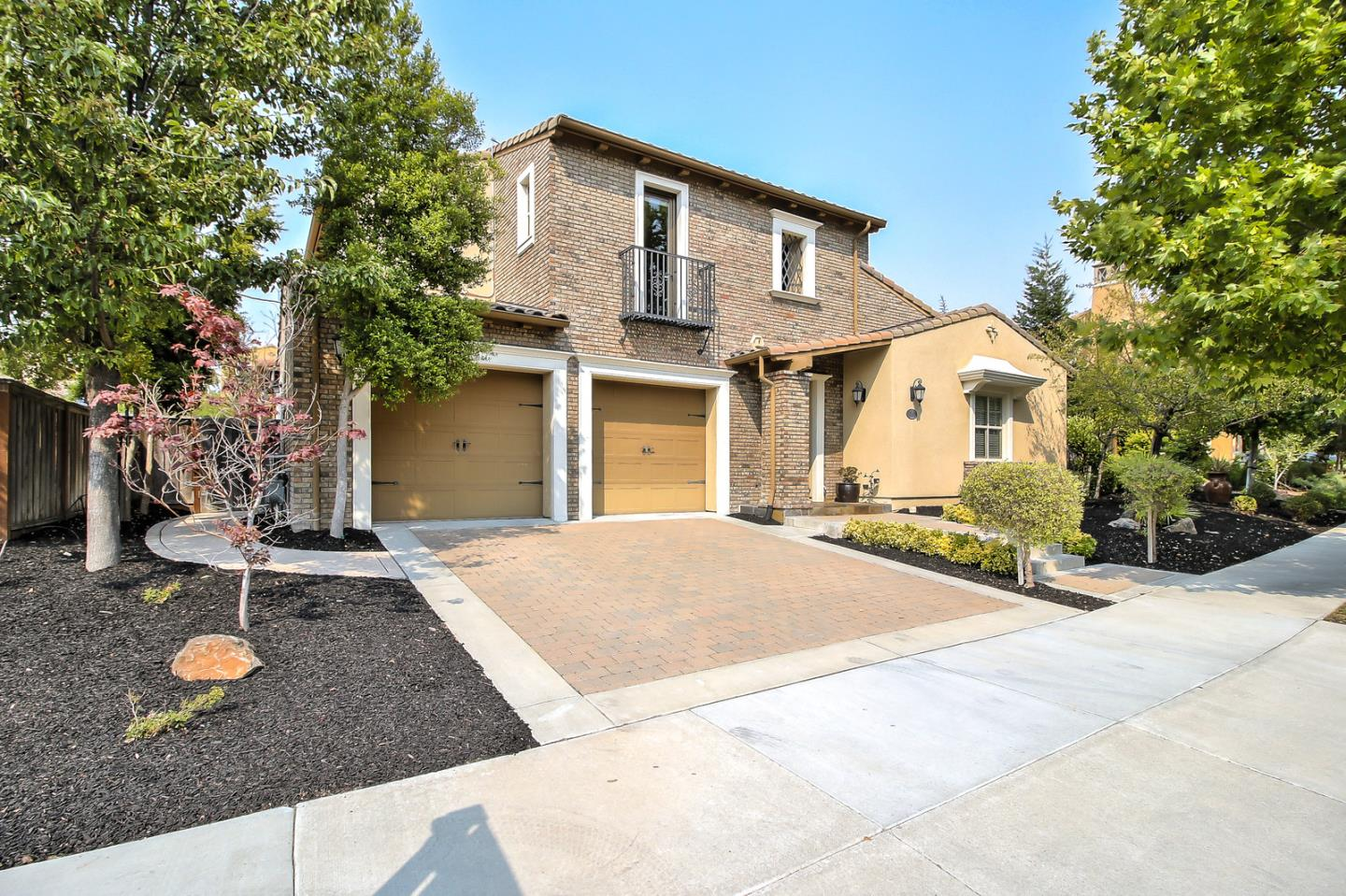 Detail Gallery Image 1 of 1 For 7063 Emerson Ln, San Ramon, CA 94582 - 6 Beds | 4/1 Baths
