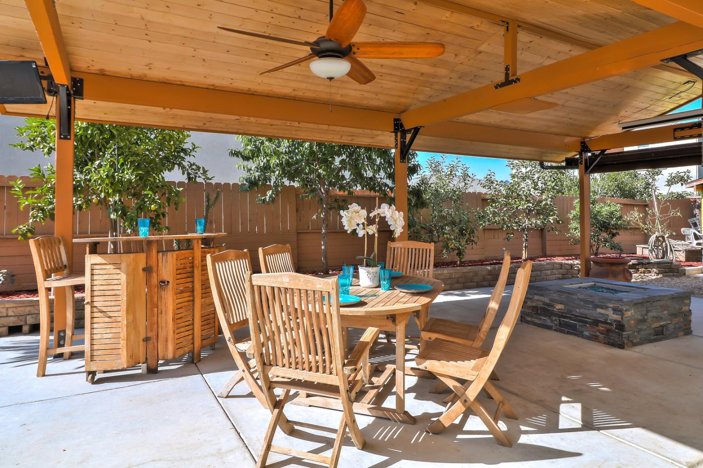 1200 Sunrise Drive, Gilroy, CA, 95020 | Better Homes and Gardens ...