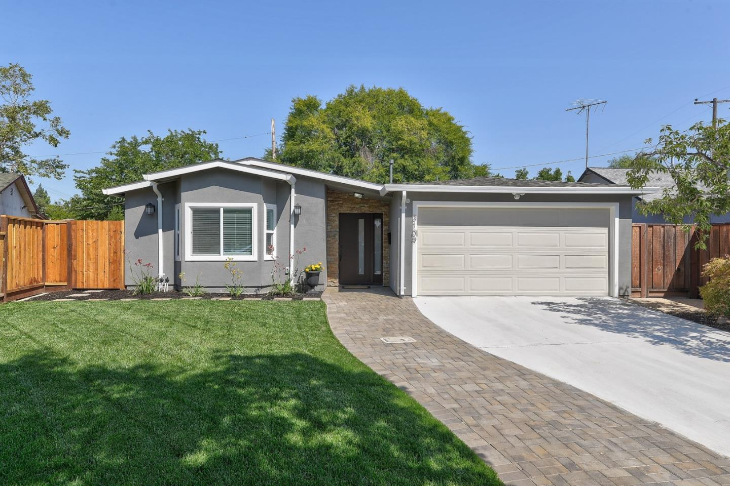 Detail Gallery Image 1 of 1 For 3109 Calzar Dr, San Jose,  CA 95118 - 4 Beds | 2 Baths
