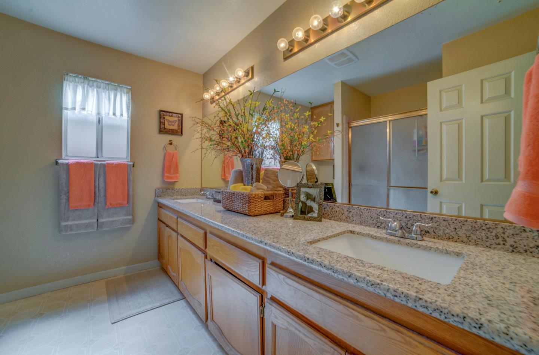 2059 Smokey Drive, Los Banos, CA 93635   Better Homes and Gardens ...