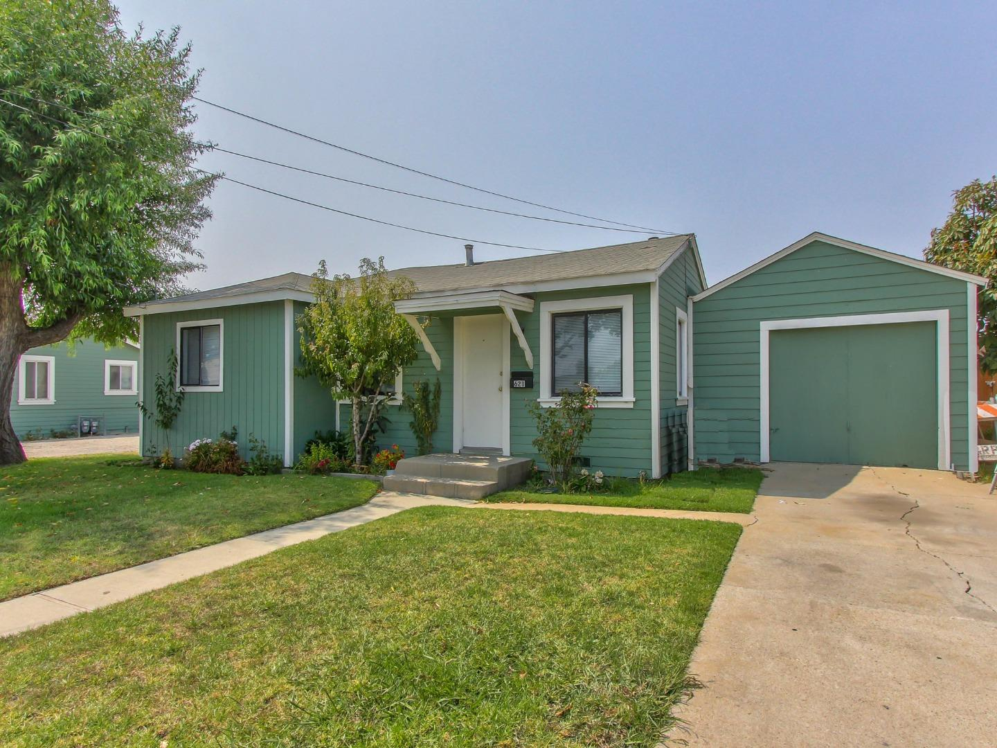 Detail Gallery Image 1 of 1 For 621 Dallas Ave, Salinas,  CA 93905 - – Beds | – Baths