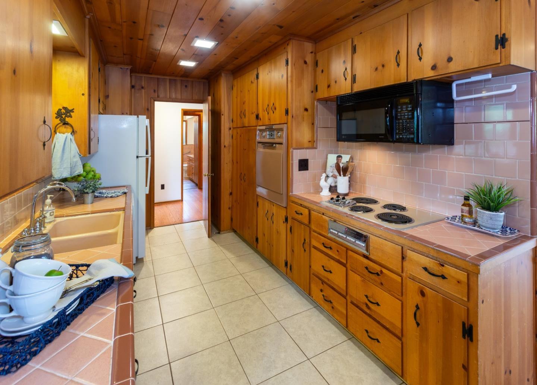 150 Sunnyside Avenue, Santa Cruz, CA 95062 | Better Homes and ...