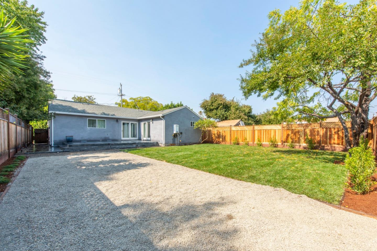 3071 Page Street Redwood City, CA 94063 - MLS #: ML81722591