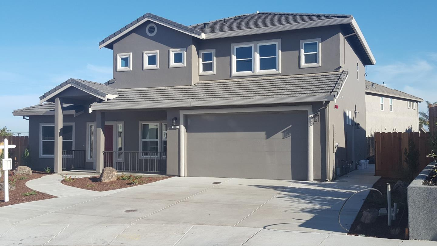 Detail Gallery Image 1 of 1 For 1380 Kathleen Ct, Hollister, CA 95023 - 4 Beds   3 Baths
