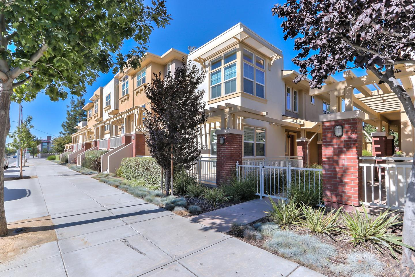Detail Gallery Image 1 of 1 For 574 N 7th St, San Jose,  CA 95112 - 3 Beds   2/1 Baths