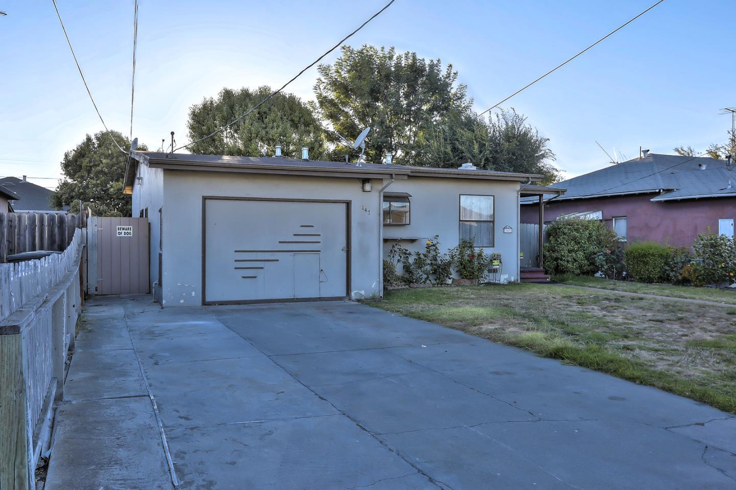 Detail Gallery Image 1 of 1 For 147 Jasmine Way, East Palo Alto,  CA 94303 - 3 Beds | 1 Baths