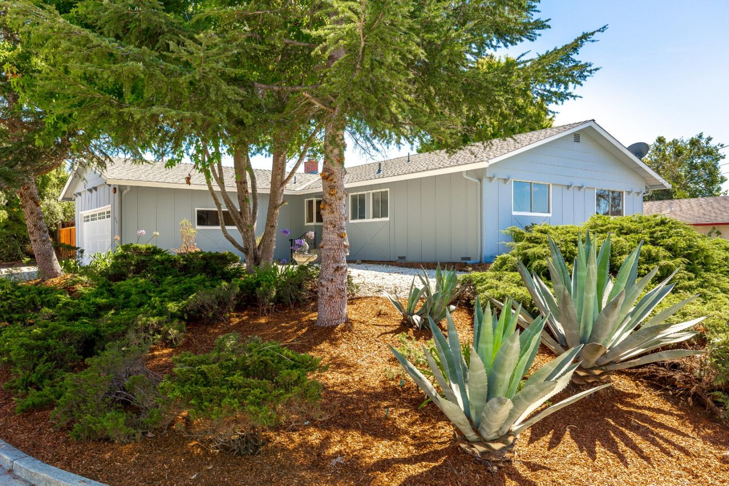 Detail Gallery Image 1 of 1 For 516 Cabrillo Ave, Santa Cruz,  CA 95065 - 3 Beds | 2 Baths