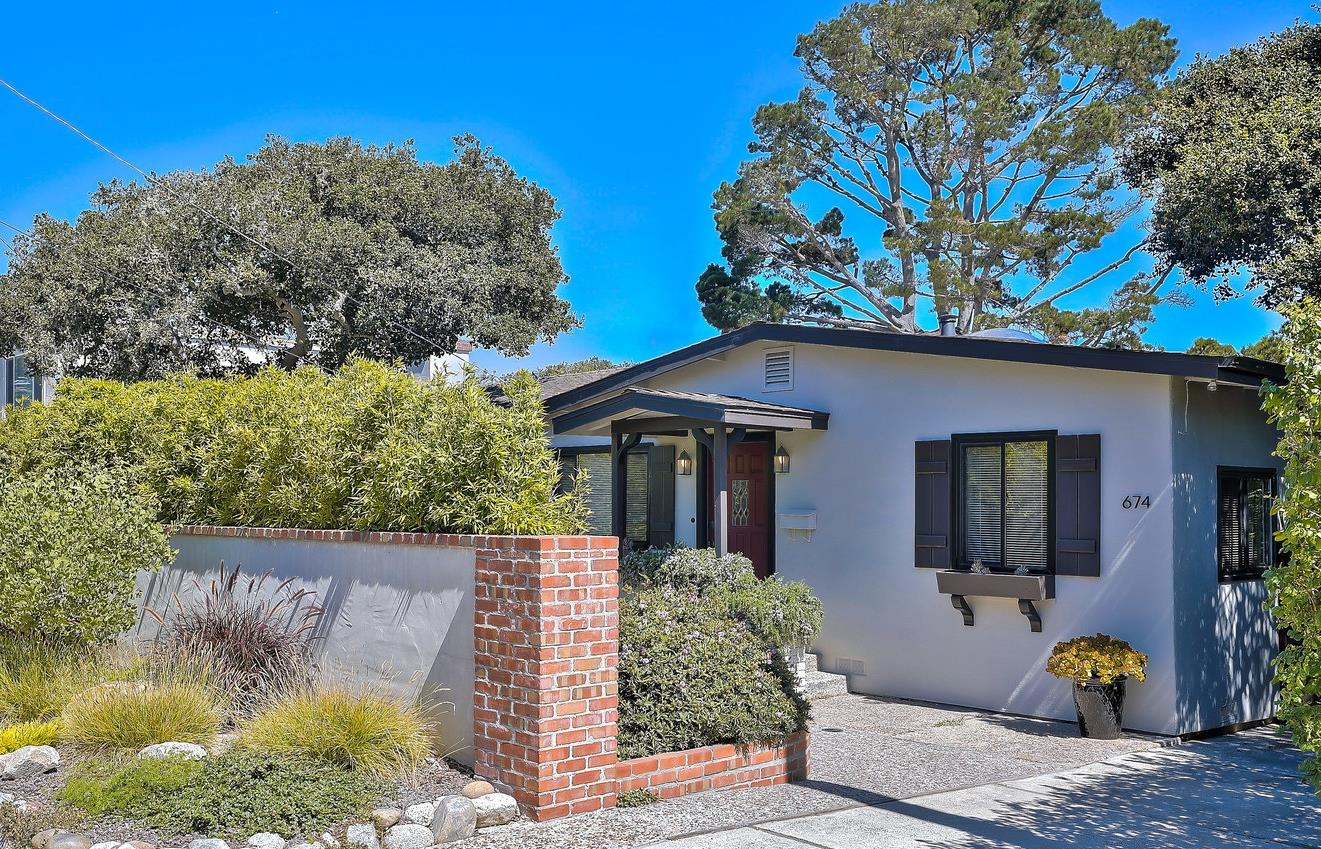 Detail Gallery Image 1 of 1 For 674 Cypress St, Monterey,  CA 93940 - 3 Beds | 2 Baths