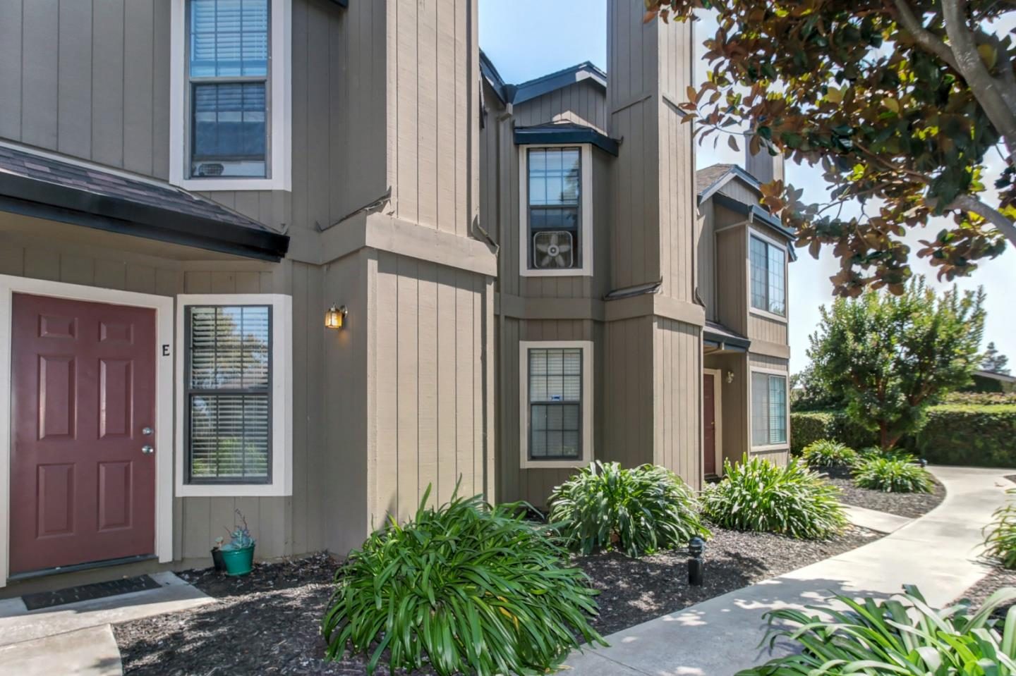 Detail Gallery Image 1 of 1 For 241 Gibson Dr E-49, Hollister, CA, 95023 - 2 Beds | 1/1 Baths