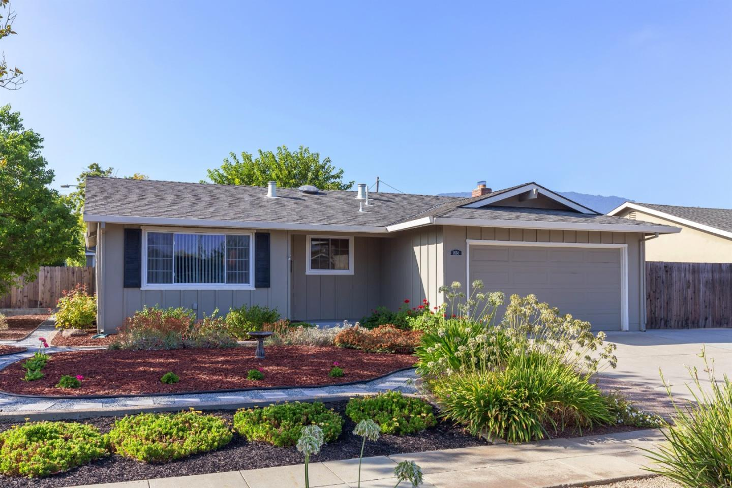 Detail Gallery Image 1 of 1 For 1654 Magnolia Blossom Ln, San Jose,  CA 95124 - 3 Beds | 2 Baths