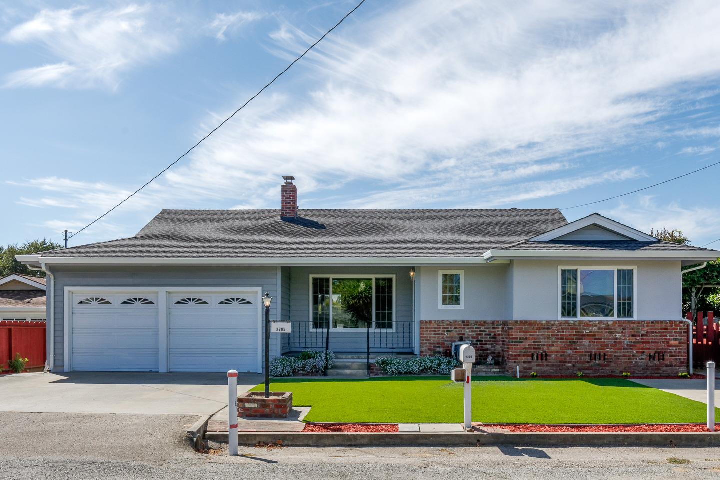 Detail Gallery Image 1 of 1 For 2205 40th Ave, Santa Cruz, CA 95062 - 3 Beds | 2 Baths