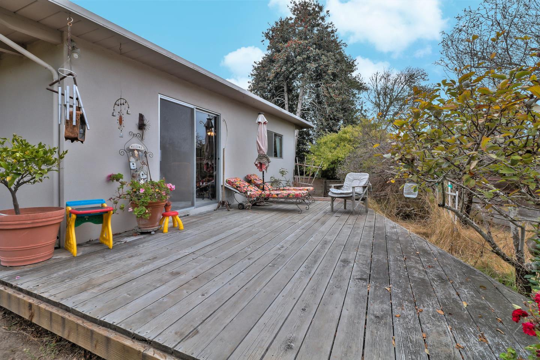 9 Robertson Place Del Rey Oaks, CA 93940 - MLS #: ML81724619