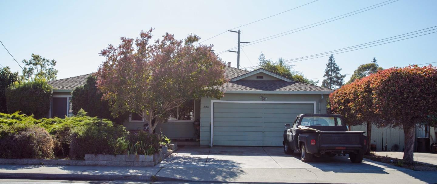 Detail Gallery Image 1 of 1 For 208 Arthur Rd, Watsonville, CA, 95076 - 3 Beds | 2 Baths