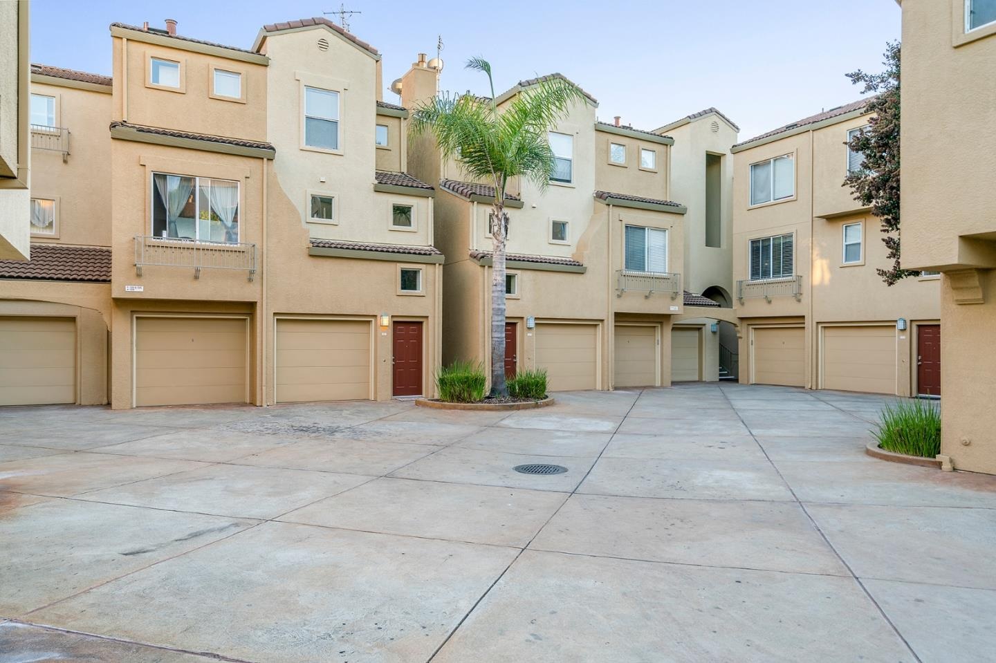 Detail Gallery Image 1 of 1 For 1690 Civic Center Dr #206, Santa Clara, CA, 95050 - 2 Beds | 2 Baths