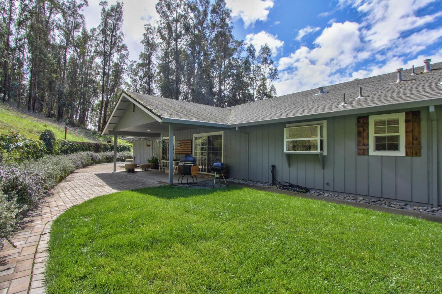 Detail Gallery Image 1 of 1 For 220 San Miguel Ave, Salinas,  CA 93901 - 2 Beds | 1 Baths