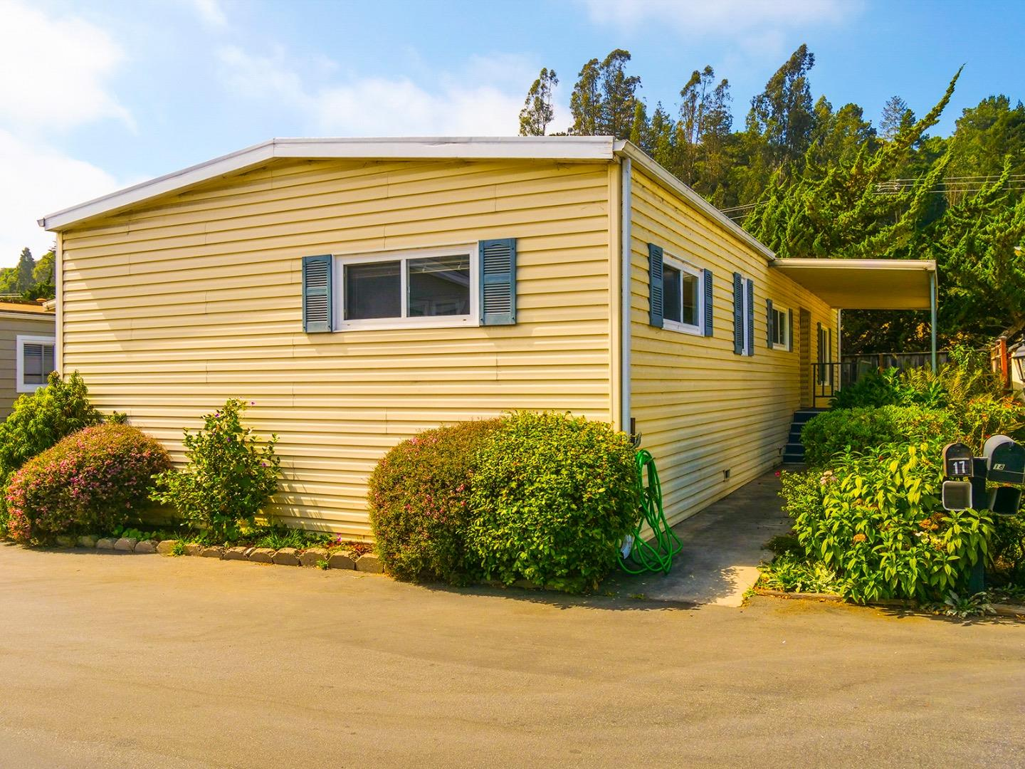 Detail Gallery Image 1 of 1 For 17 Eugenia Ave #17, Aptos, CA 95003 - 3 Beds | 2 Baths