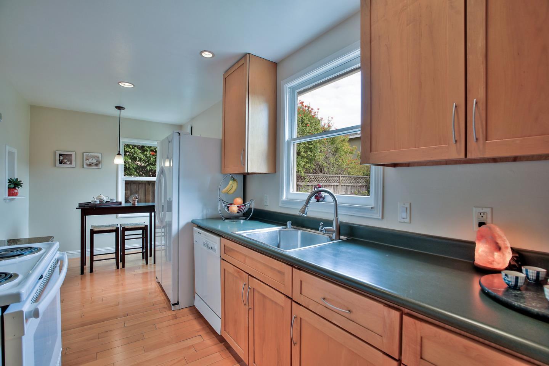 301 La Casa Avenue, San Mateo, CA 94403 | Better Homes and Gardens ...