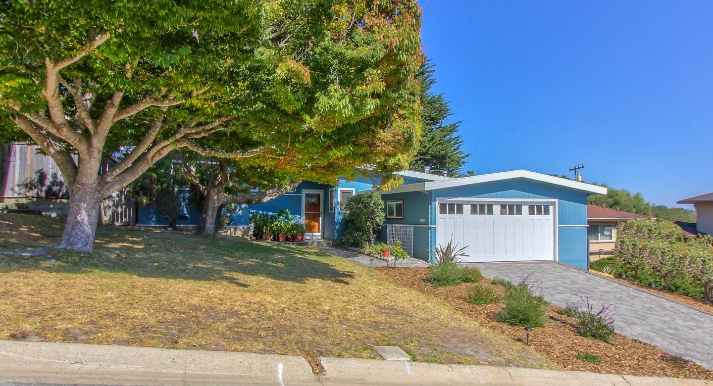 Detail Gallery Image 1 of 1 For 14 Shady Ln, Monterey,  CA 93940 - 3 Beds | 2 Baths