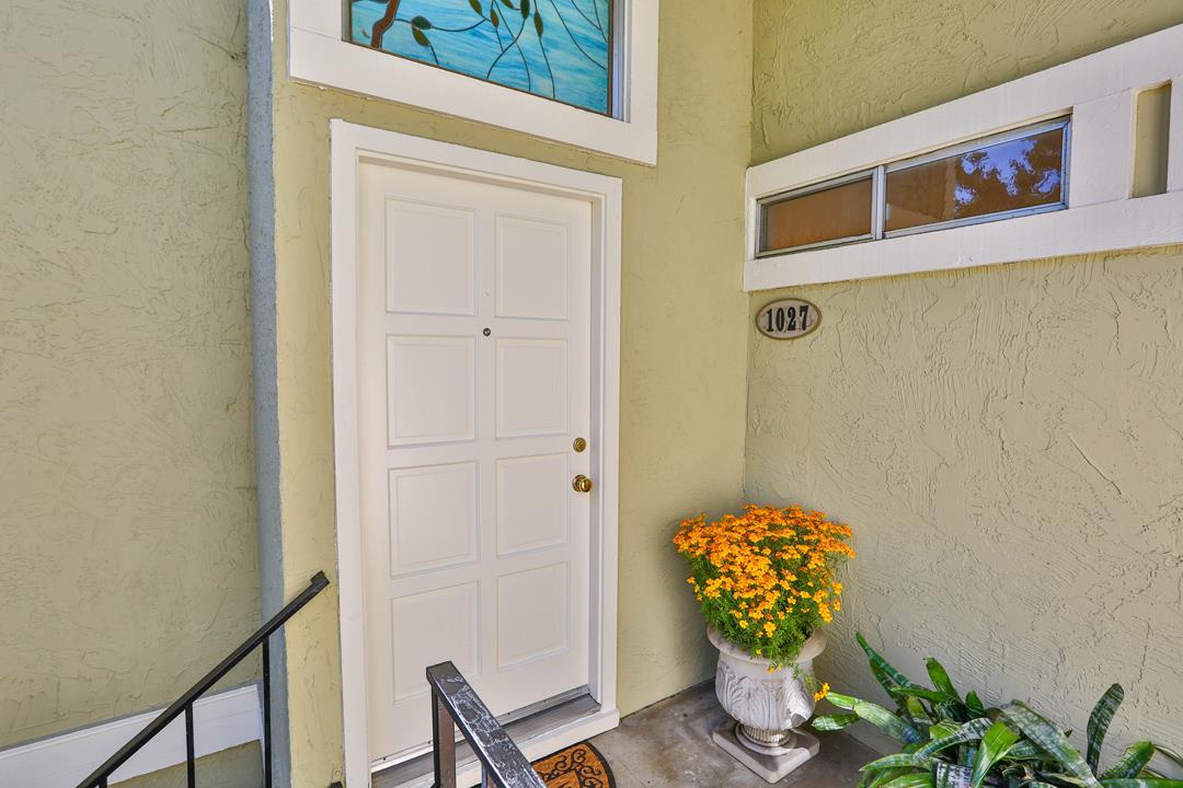 1027 Delna Manor Ln, San Jose, CA 95128