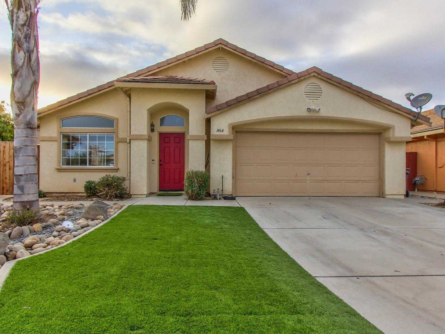 Detail Gallery Image 1 of 1 For 1464 Mustang Ct, Salinas,  CA 93905 - 4 Beds | 2 Baths