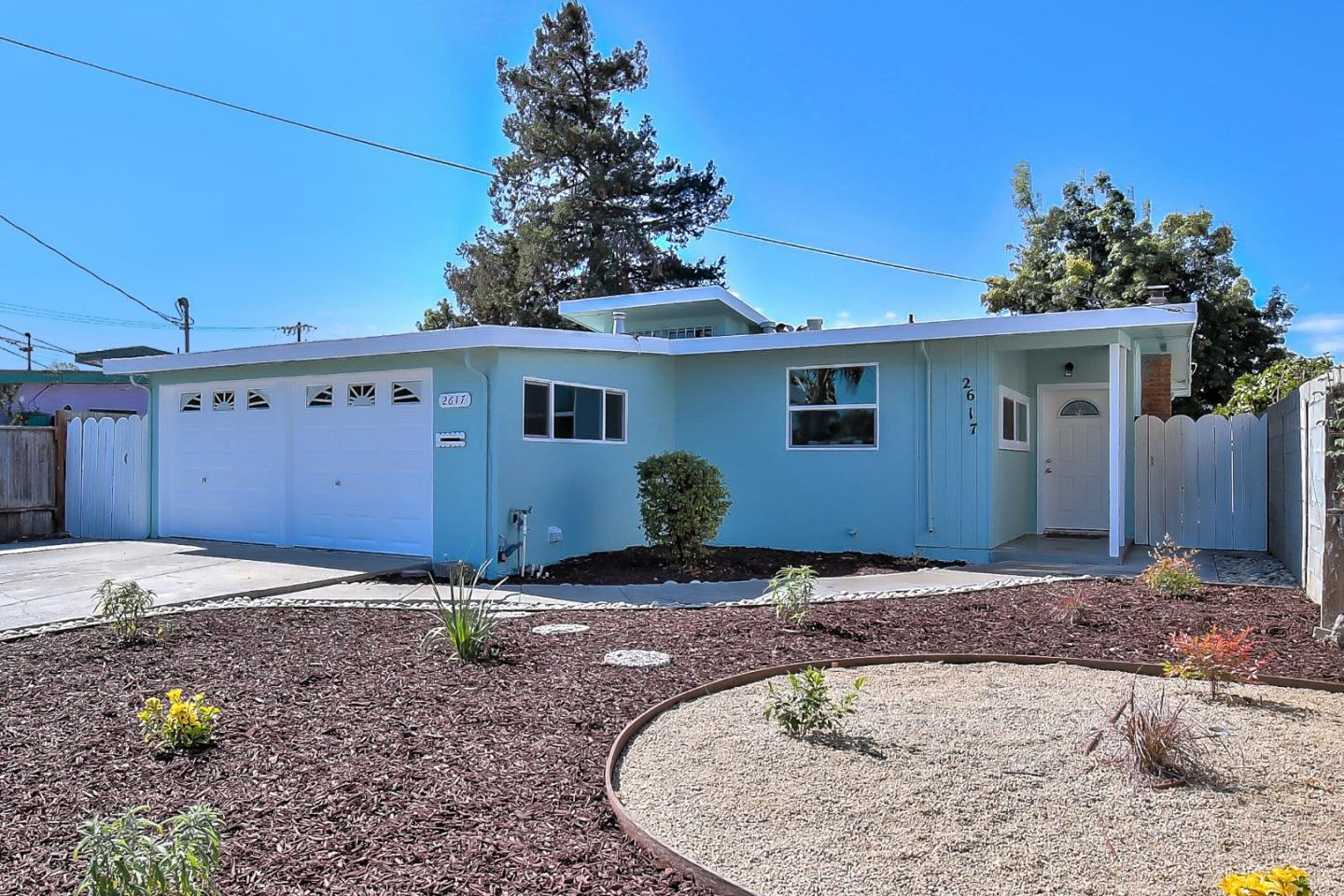 Detail Gallery Image 1 of 1 For 2617 Fordham St, East Palo Alto,  CA 94303 - 3 Beds | 1 Baths
