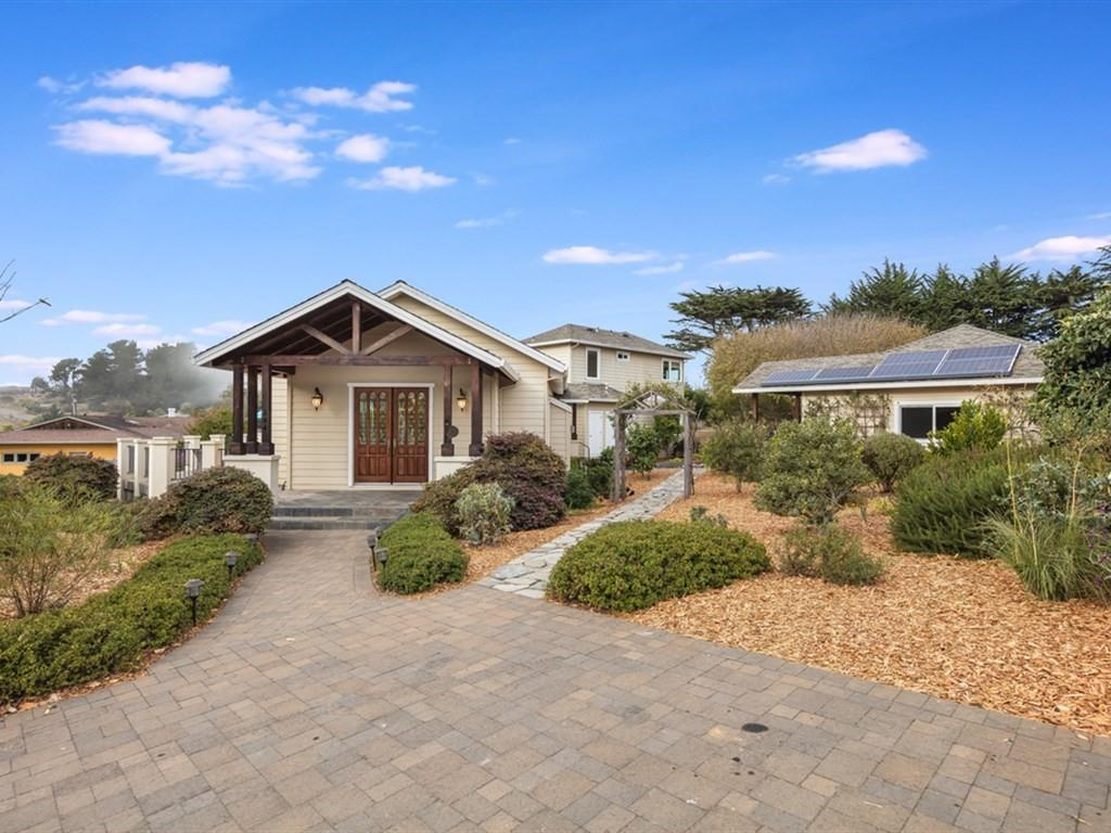 Detail Gallery Image 1 of 1 For 144 Crest Dr, Watsonville, CA, 95076 - 3 Beds | 2/1 Baths