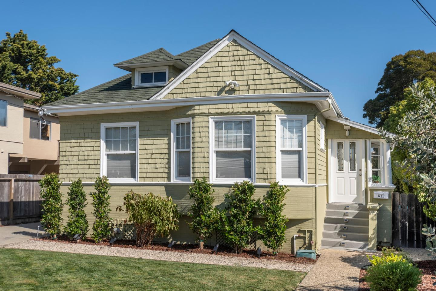 Detail Gallery Image 1 of 1 For 512 N Claremont St, San Mateo, CA 94401 - 3 Beds | 2 Baths