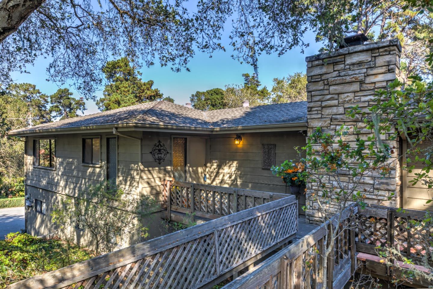 Detail Gallery Image 1 of 1 For 1301 Jacks Rd, Monterey, CA, 93940 - 2 Beds | 2/1 Baths