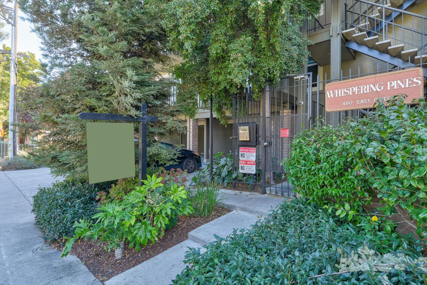 Detail Gallery Image 1 of 1 For 480 E Okeefe St #207, East Palo Alto, CA, 94303 - 1 Beds | 1 Baths