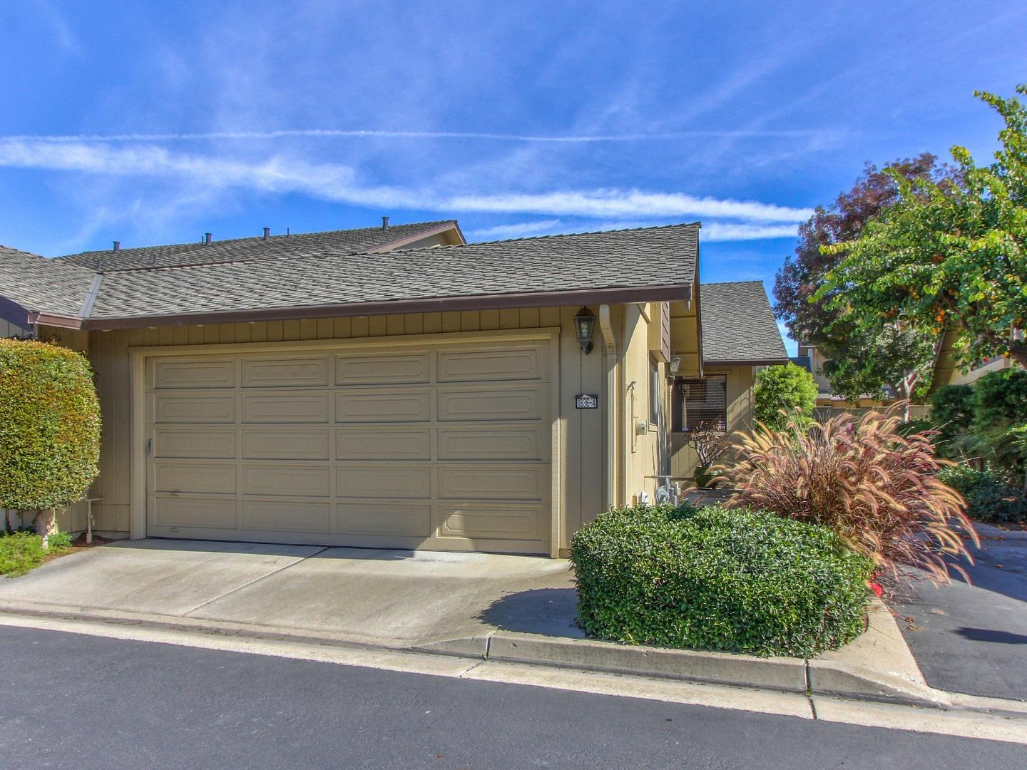 Detail Gallery Image 1 of 1 For 1836 Cherokee Dr #4,  Salinas,  CA 93906 - 2 Beds   2 Baths